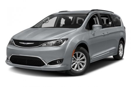 2017 Chrysler Pacifica Touring L #0